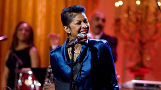 Exclusive Natalie Cole Performance